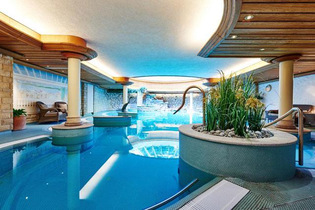 Pool Therme